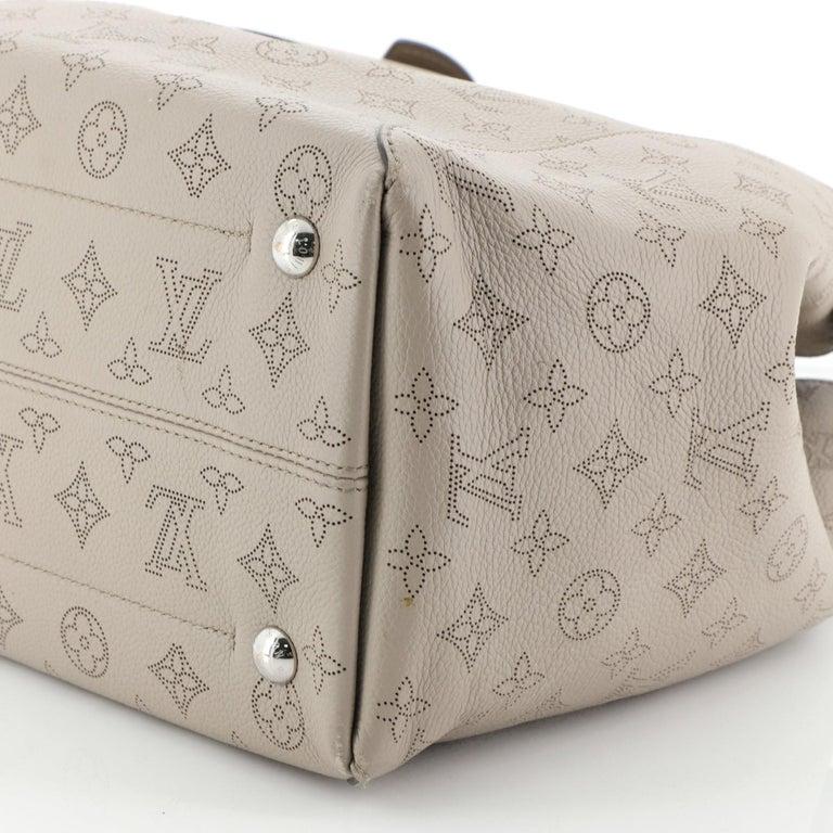 Louis Vuitton Hina Handbag Mahina Leather MM For Sale 3