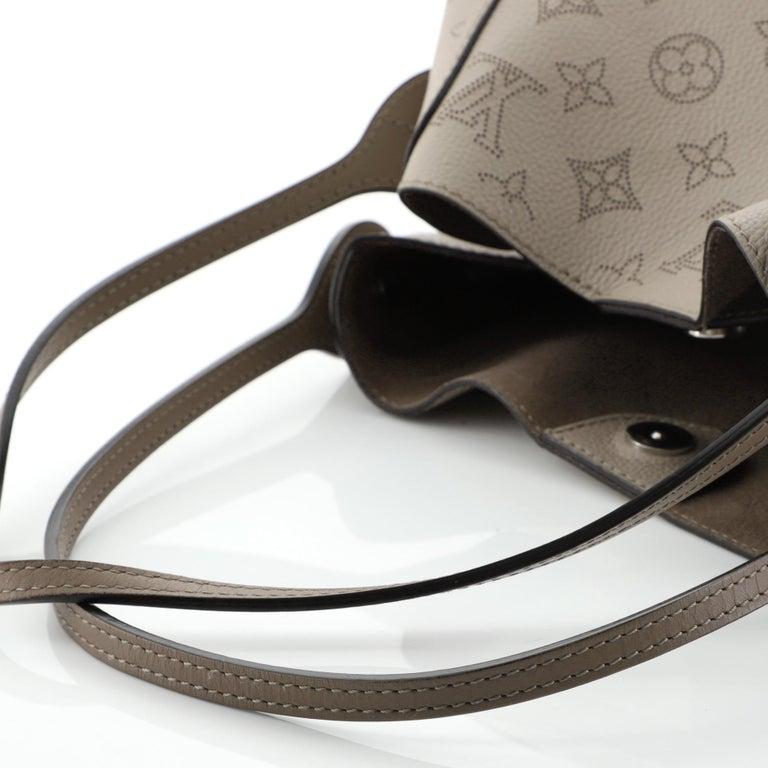 Louis Vuitton Hina Handbag Mahina Leather MM For Sale 4