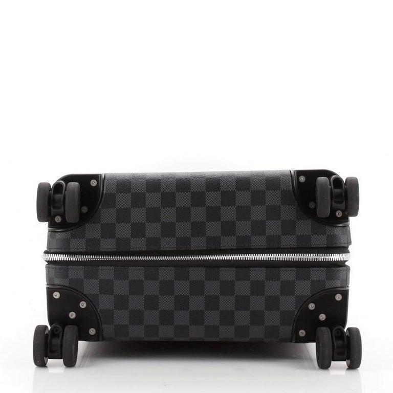 Women's or Men's Louis Vuitton Horizon Luggage Damier Graphite 50 For Sale