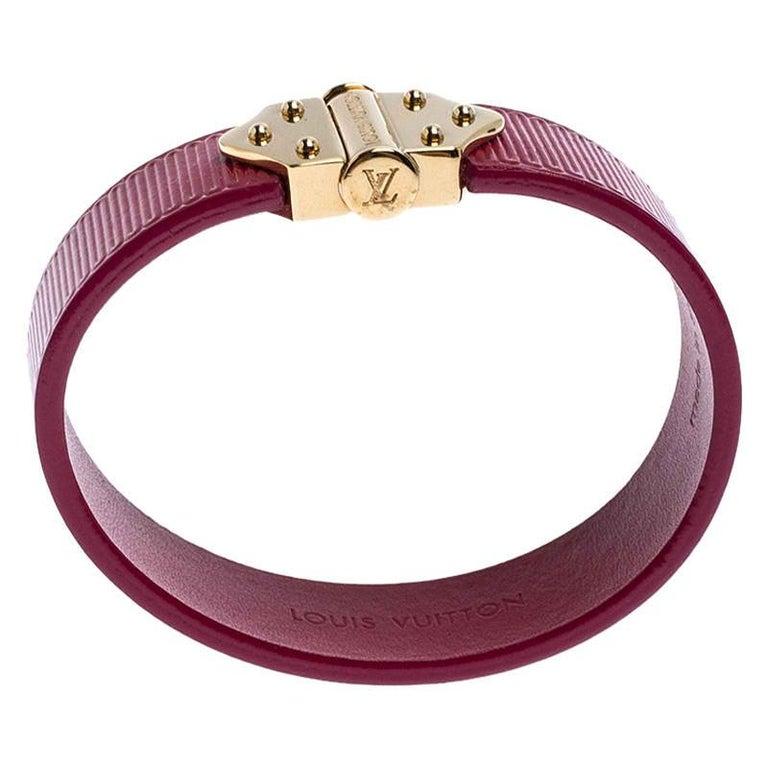 Louis Vuitton Indian Rose Epi Leather Spirit Bracelet 17CM In Good Condition For Sale In Dubai, Al Qouz 2