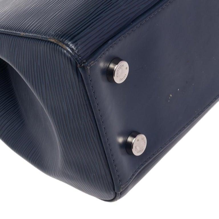Women's or Men's Louis Vuitton Indigo Blue Epi Leather Brea MM Bag For Sale