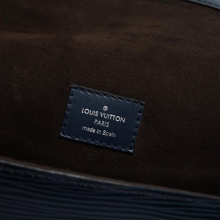 Louis Vuitton Indigo Epi Leather Cluny MM Bag For Sale 5