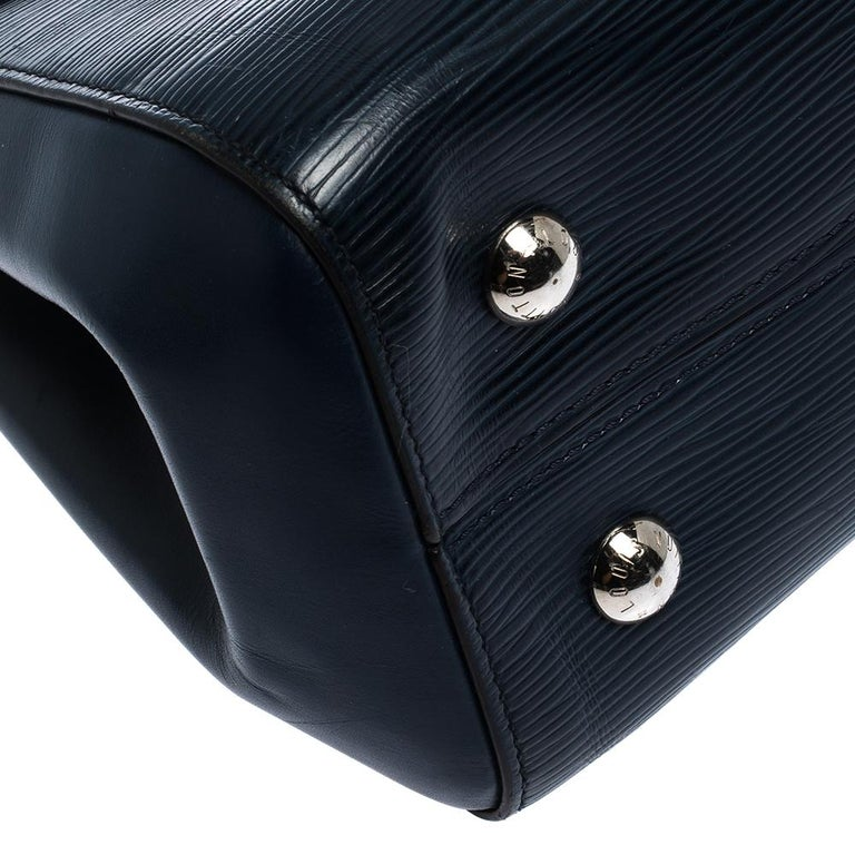 Louis Vuitton Indigo Epi Leather Cluny MM Bag For Sale 6