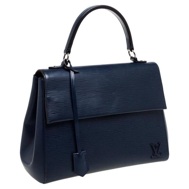 Louis Vuitton Indigo Epi Leather Cluny MM Bag In Fair Condition In Dubai, Al Qouz 2