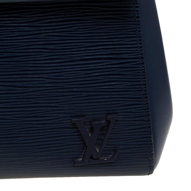 Louis Vuitton Indigo Epi Leather Cluny MM Bag 3