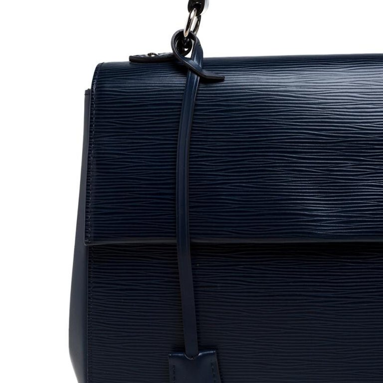 Louis Vuitton Indigo Epi Leather Cluny MM Bag 4