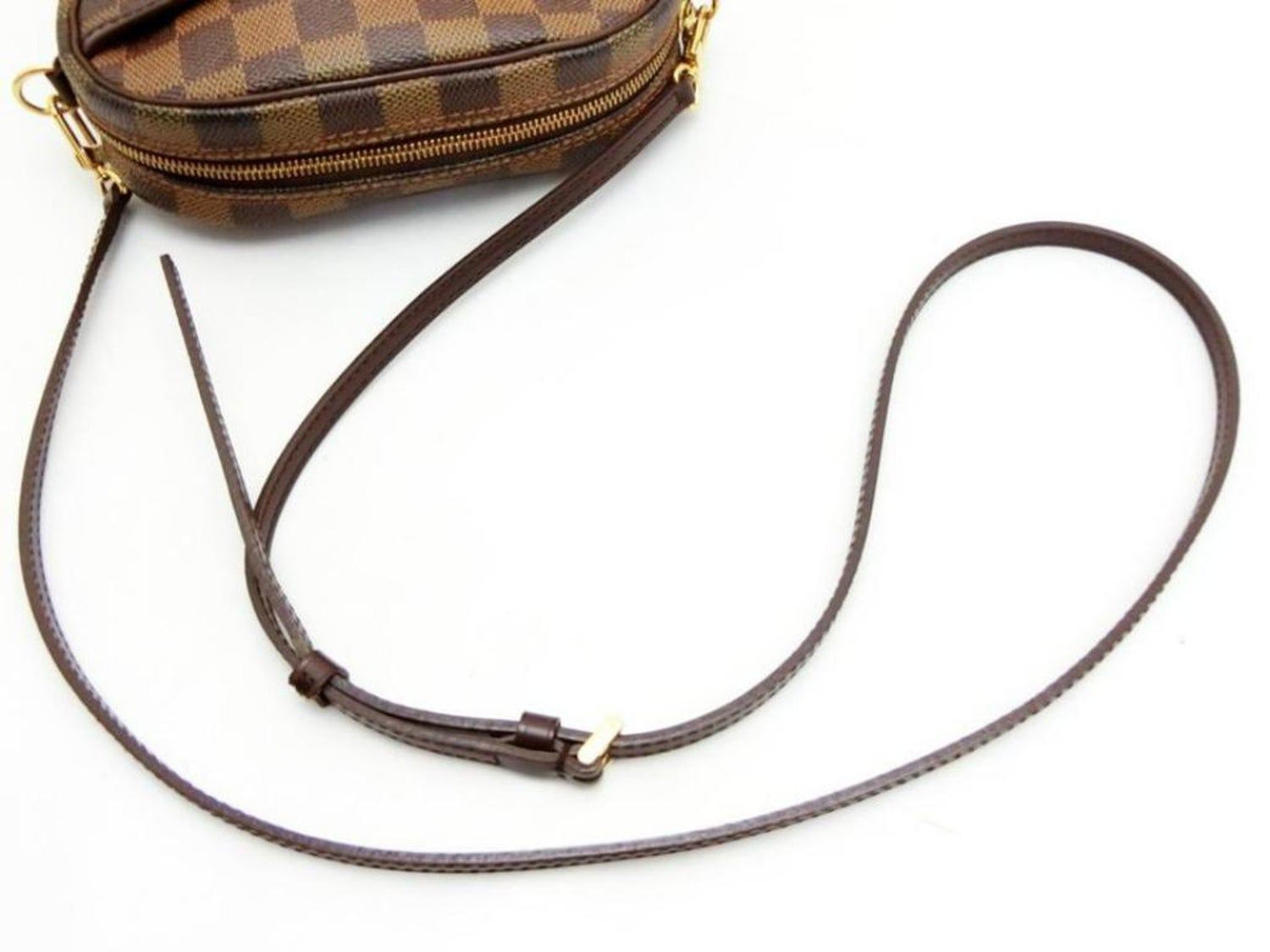 06445034d7d2 Louis Vuitton Ipanema Pochette Damier Ebene Fanny Pack 3way 231182 Brown  Coated For Sale at 1stdibs