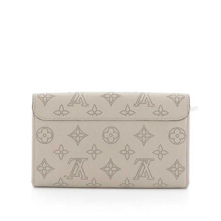 Louis Vuitton Iris Wallet NM Mahina Leather In Good Condition For Sale In New York, NY