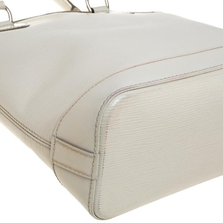 Women's Louis Vuitton Ivorie Epi Leather Lockit Vertical Bag For Sale
