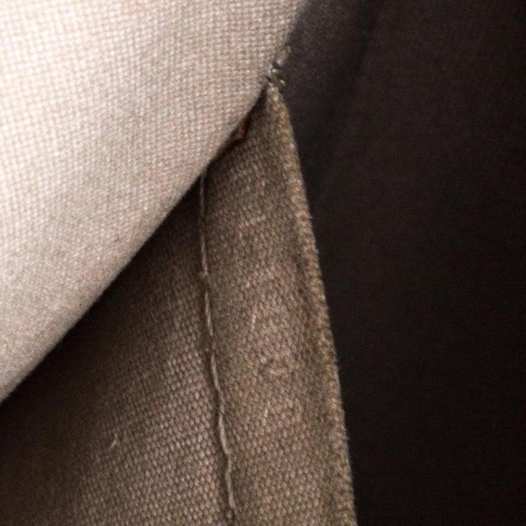Louis Vuitton Ivorie Epi Leather Lockit Vertical Bag For Sale 2