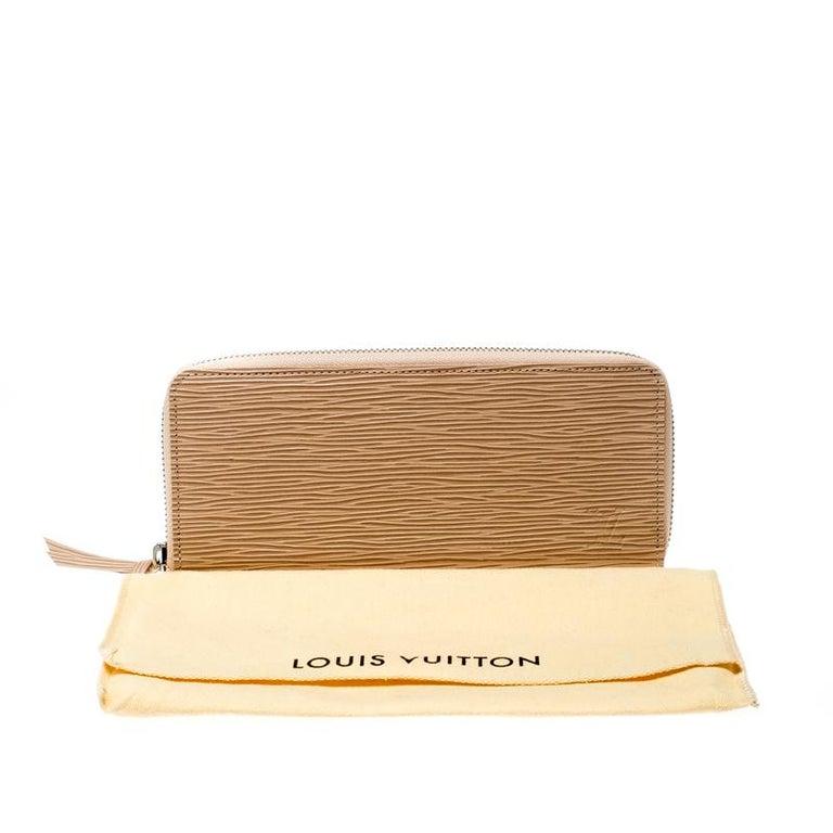 Louis Vuitton Jaune Pale Epi leather Zippy Wallet For Sale 6