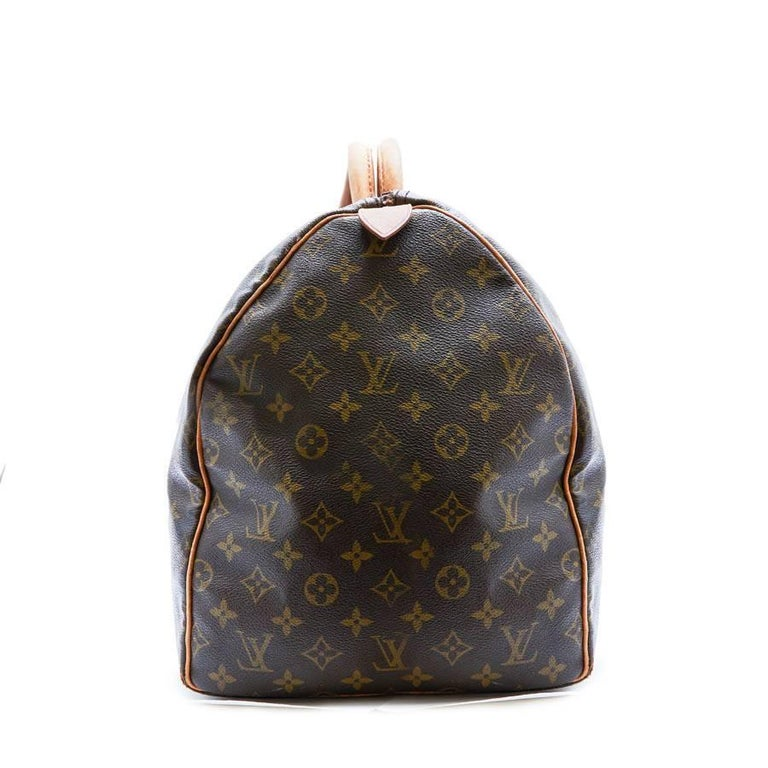LOUIS VUITTON Keepall 55 Bag In Brown Monogram Canvas In Good Condition For Sale In Paris, FR