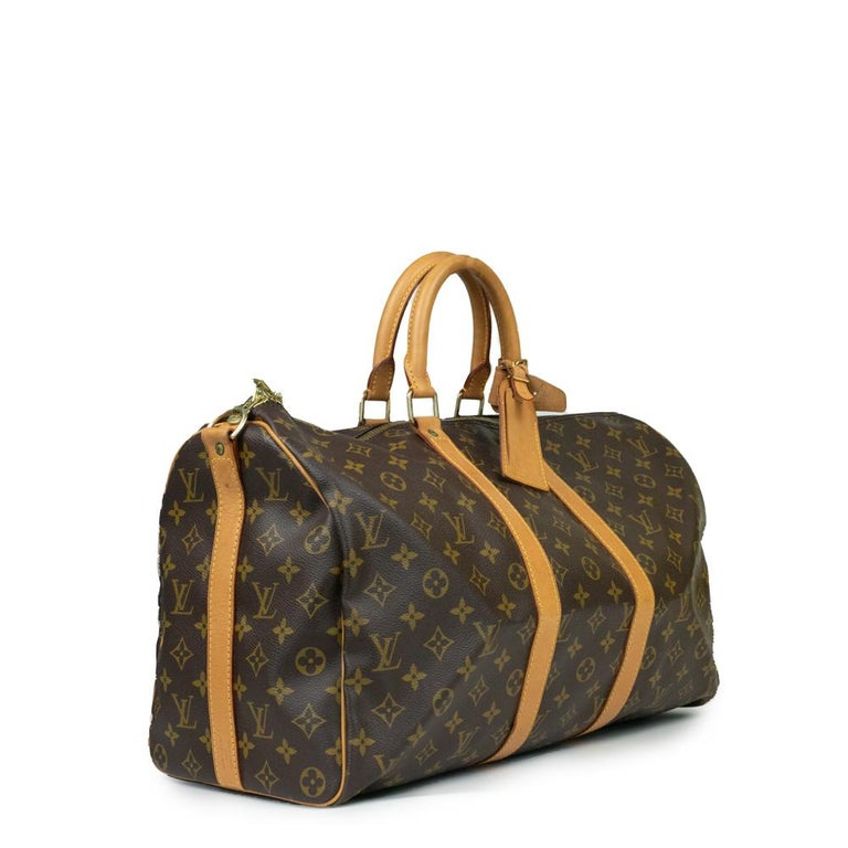 - Designer: LOUIS VUITTON - Model: Keepall - Condition: Good condition. Scratches on hardware, Stain at the bottom of the bag, Some stains on the leather - Accessories: None - Measurements: Width: 46cm , Height: 27cm , Depth: 19cm , Strap: 90cm  -