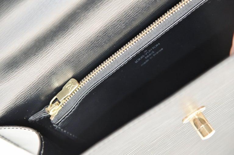 Louis Vuitton Kelly Bag Vintage Epi Leather  For Sale 6