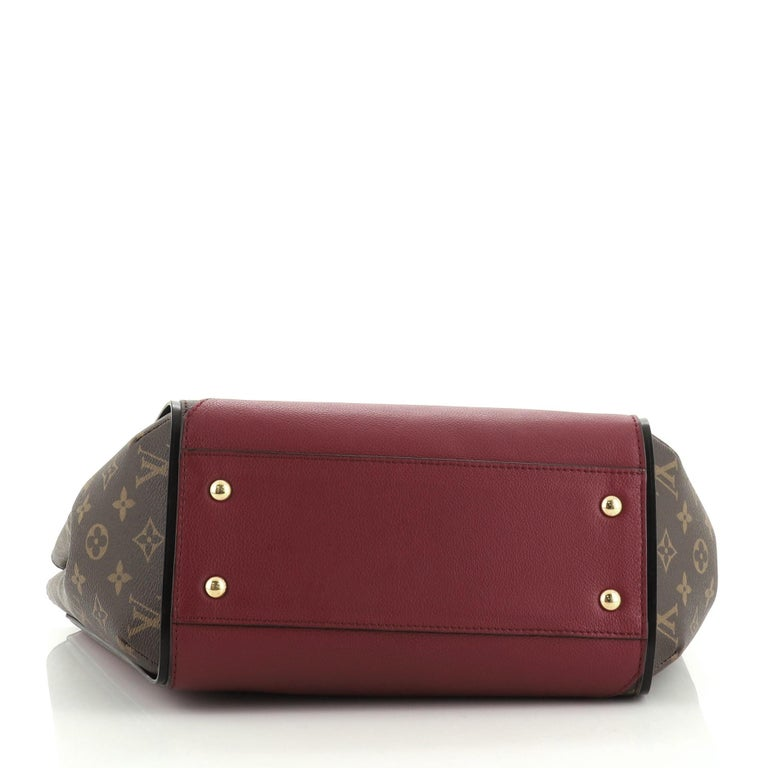 Women's or Men's Louis Vuitton Kimono Handbag For Sale