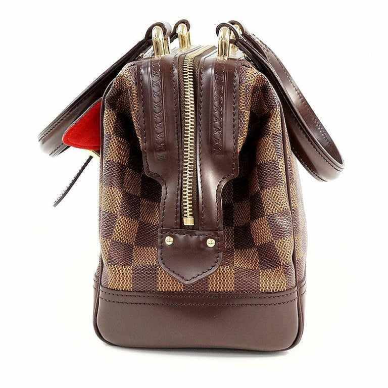 An authentic LOUIS VUITTON Knightsbridge Womens handbag N51201 Damier ebene. The color is Damier ebene. The outside material is Damier canvas. The pattern is Knightsbridge. This item is Contemporary. The year of manufacture would be 2008. Rank A