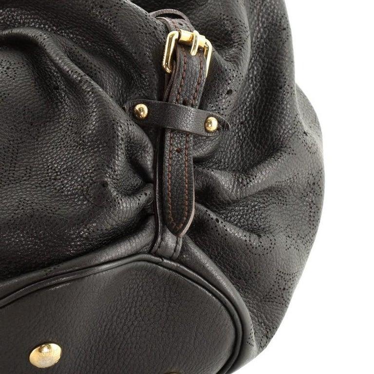 Louis Vuitton L Hobo Mahina Leather For Sale 2