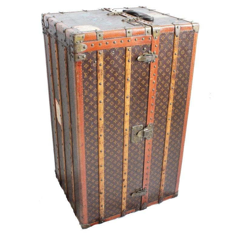 Louis Vuitton Large Wardrobe Steamer Trunk Monogram Travel Case Early 20th C  In Good Condition For Sale In Port Saint Lucie, FL