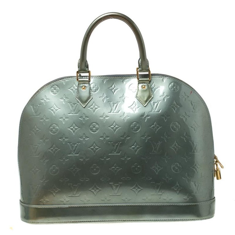 Louis Vuitton Light Green Monogram Vernis Alma GM Bag In Good Condition In Dubai, Al Qouz 2