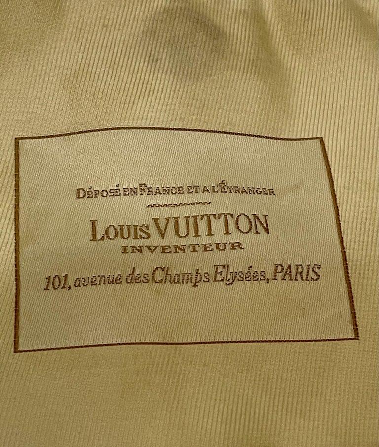 LOUIS VUITTON Limited Edition Blanc Monogram Sabbia Besace Bag For Sale 5