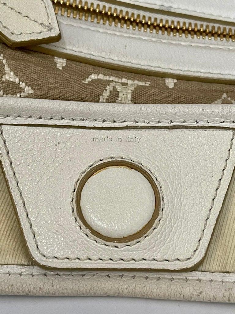LOUIS VUITTON Limited Edition Blanc Monogram Sabbia Besace Bag For Sale 6
