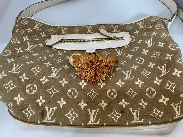LOUIS VUITTON Limited Edition Blanc Monogram Sabbia Besace Bag For Sale 8