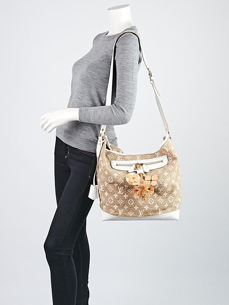 LOUIS VUITTON Limited Edition Blanc Monogram Sabbia Besace Bag For Sale 9
