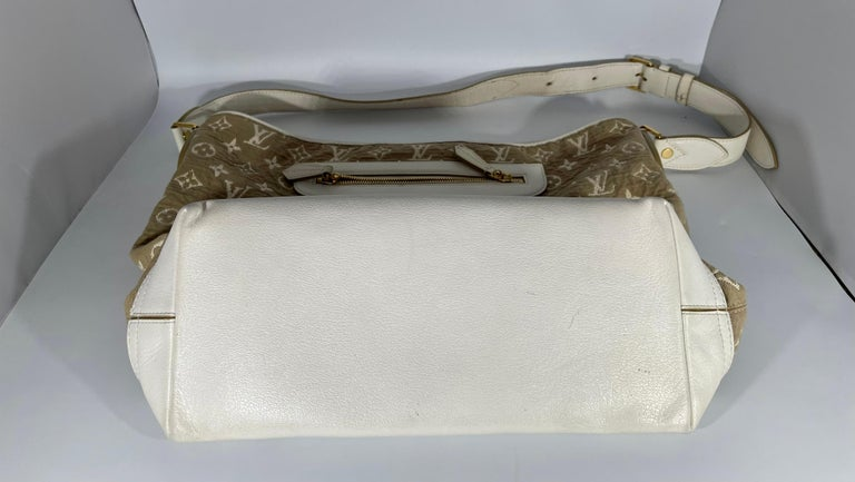 LOUIS VUITTON Limited Edition Blanc Monogram Sabbia Besace Bag For Sale 10