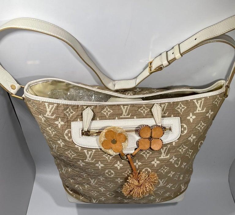 LOUIS VUITTON Limited Edition Blanc Monogram Sabbia Besace Bag For Sale 1