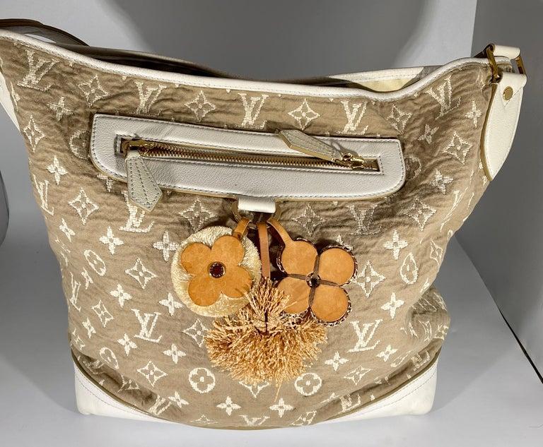 LOUIS VUITTON Limited Edition Blanc Monogram Sabbia Besace Bag For Sale 2