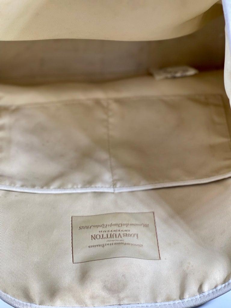 LOUIS VUITTON Limited Edition Blanc Monogram Sabbia Besace Bag For Sale 3