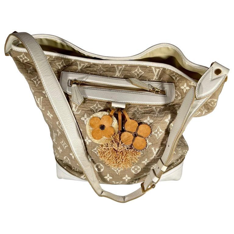 LOUIS VUITTON Limited Edition Blanc Monogram Sabbia Besace Bag For Sale