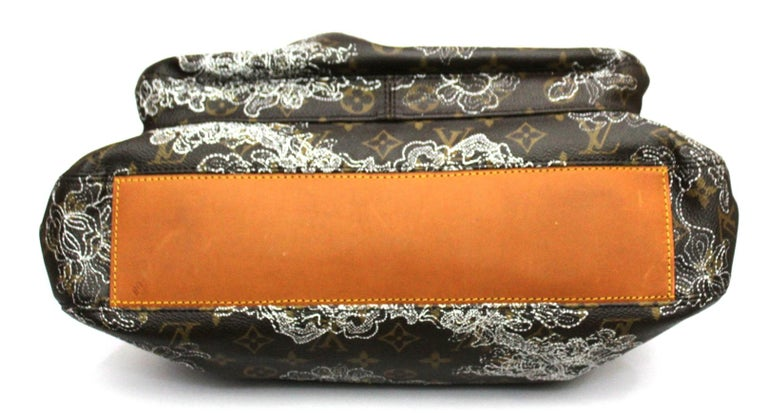 Louis Vuitton Limited Edition Dentelle Fersen  In Excellent Condition For Sale In Torre Del Greco, IT