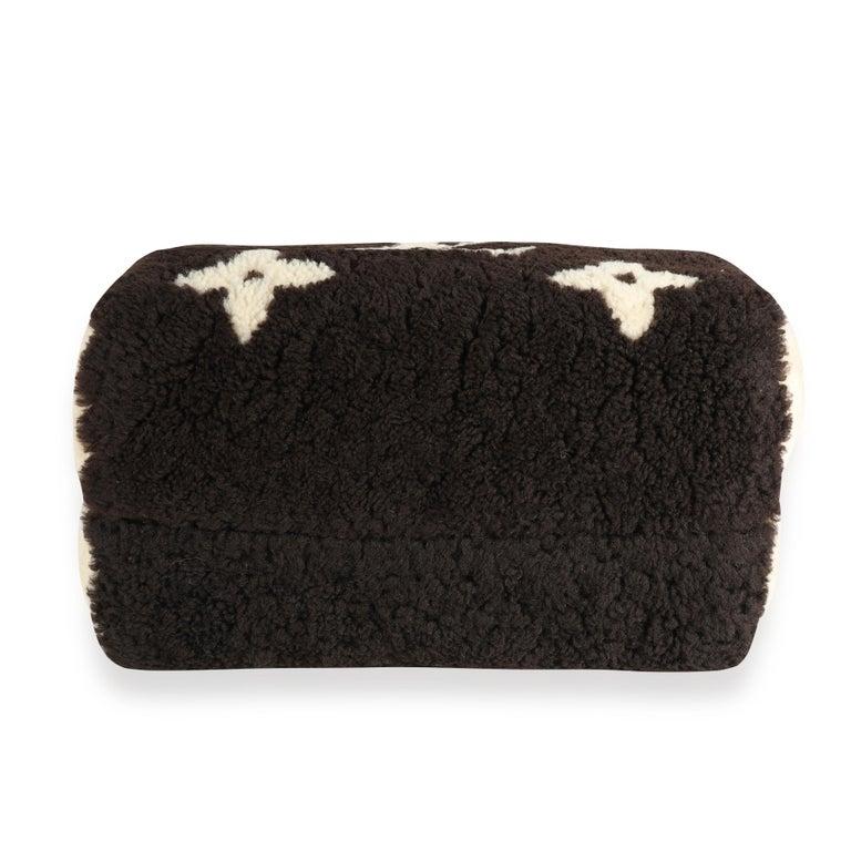 Louis Vuitton Limited Edition Giant Teddy Fleece Speedy Bandoulière 25 For Sale 1