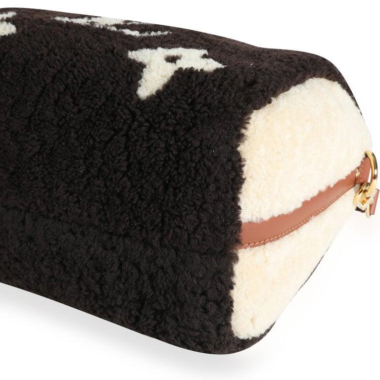 Louis Vuitton Limited Edition Giant Teddy Fleece Speedy Bandoulière 25 For Sale 3