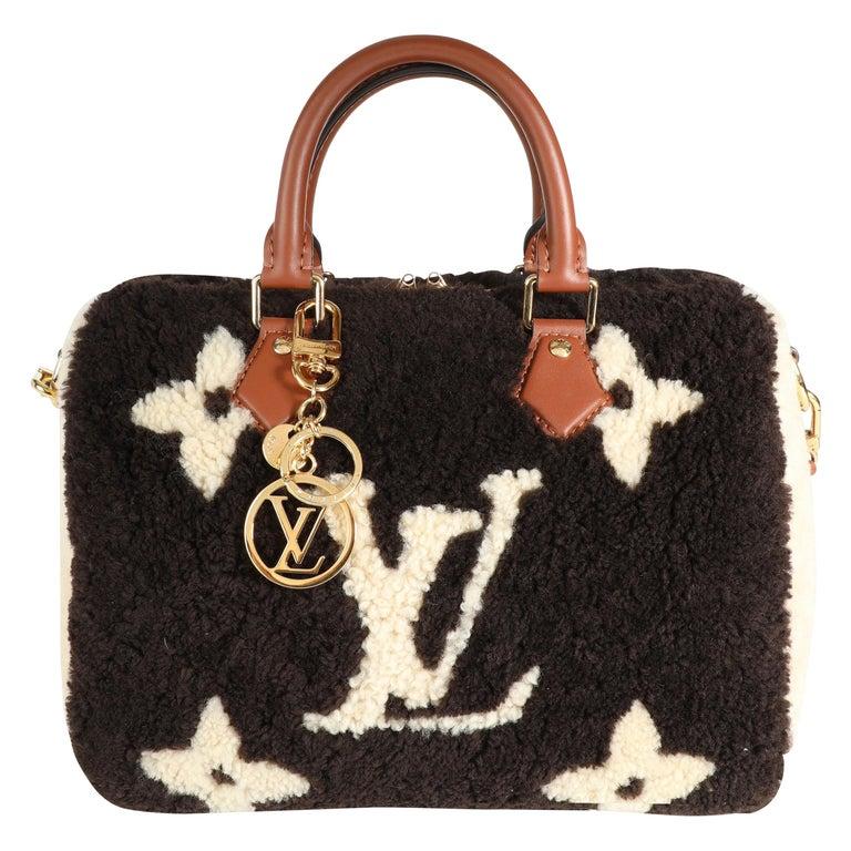 Louis Vuitton Limited Edition Giant Teddy Fleece Speedy Bandoulière 25 For Sale