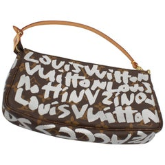 Louis Vuitton Limited Edition Graffiti collection by Stephen Sprouse Accessoire