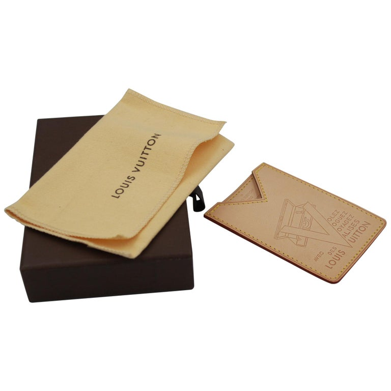 Louis Vuitton Limited Edition Leather Cardholder For Sale