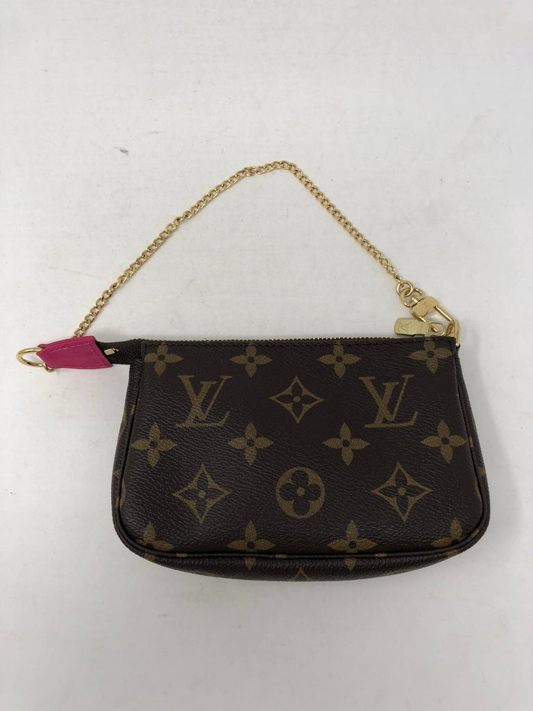 Louis Vuitton Limited Edition Mini Pochette For Sale 4