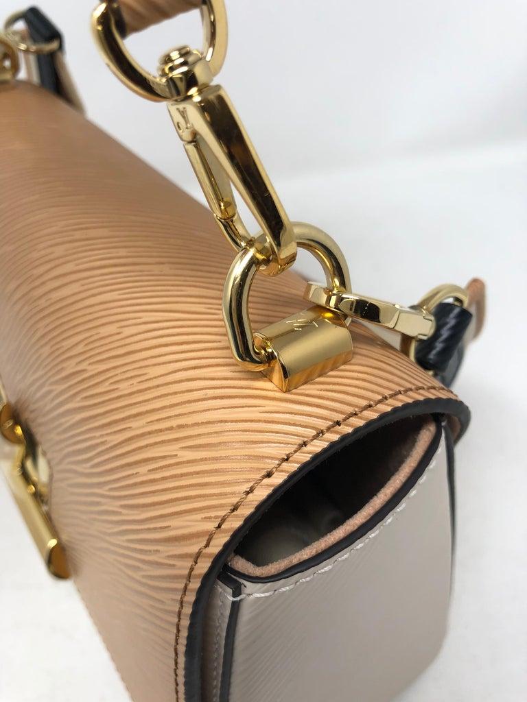 Louis Vuitton Limited Epi Leather Two-tone Twist Bag  For Sale 7