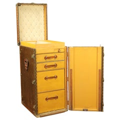 Louis Vuitton Linen Trunk, Exceptional Luggage, 1920s