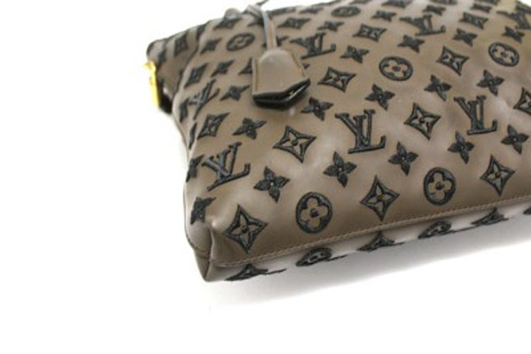 Louis Vuitton Lockit Limited Edition Handbag in Brown Leather & Golden Hardware For Sale 1