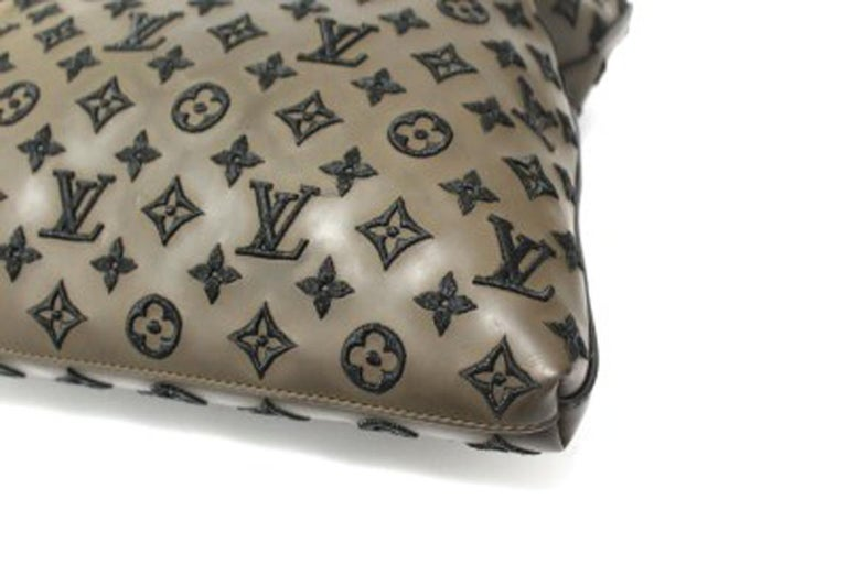 Louis Vuitton Lockit Limited Edition Handbag in Brown Leather & Golden Hardware For Sale 2