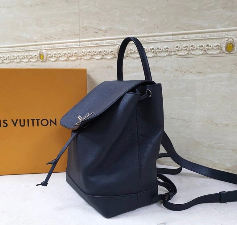 Louis Vuitton  Lockme Black  Backpack In Excellent Condition In Kiev, UA