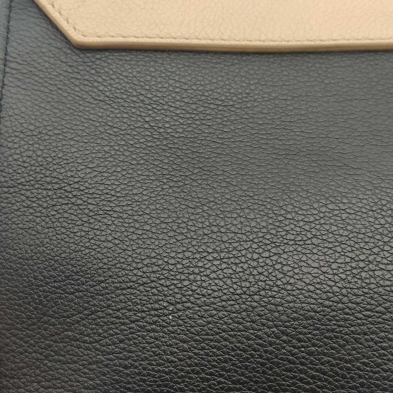 LOUIS VUITTON Lockme Shoulder bag in Beige Leather For Sale 10