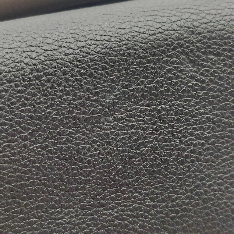 LOUIS VUITTON Lockme Shoulder bag in Beige Leather For Sale 11