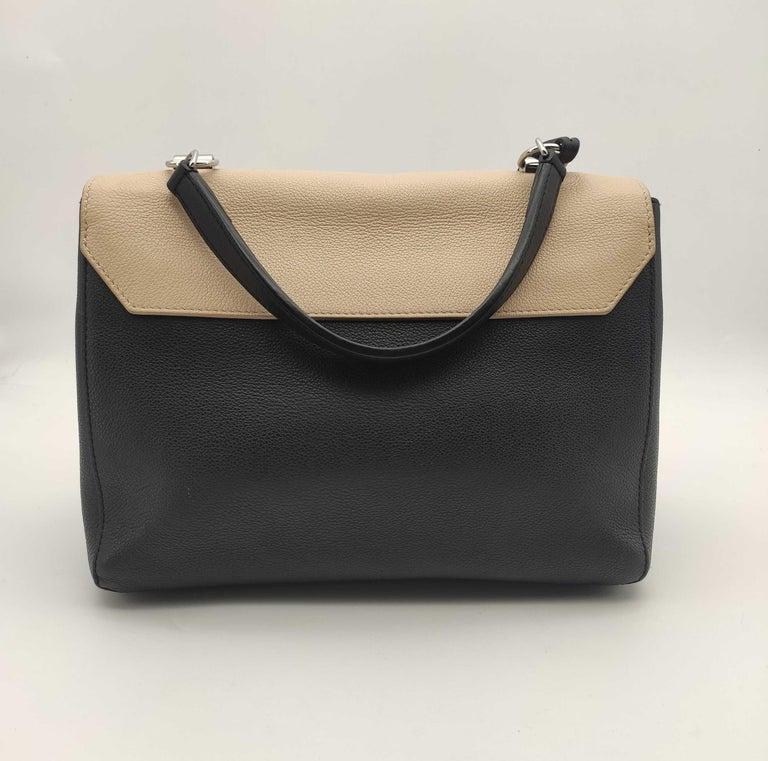 Women's LOUIS VUITTON Lockme Shoulder bag in Beige Leather For Sale