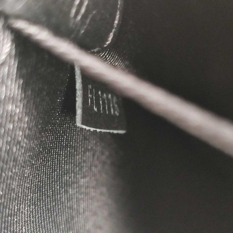 LOUIS VUITTON Lockme Shoulder bag in Beige Leather For Sale 4