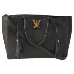 LOUIS VUITTON Lockmeto Shoulder bag in Black Leather