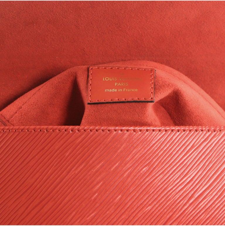 Louis Vuitton Locky Handbag Epi Leather BB For Sale 1